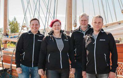 FIXULUXin henkilökunta toivottaa rentouttavaa loma-aikaa asiakkaille ja yhteistyökumppaneille!
